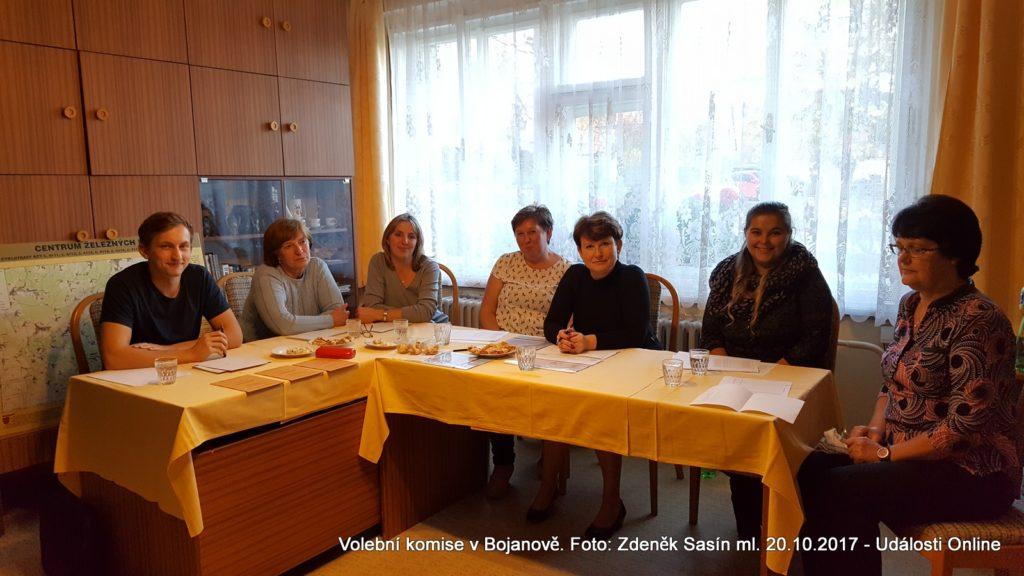 Volební komise v Bojanově.